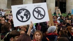 Klimatyści ogłaszają głodówkę w obronie klimatu. Popieramy!  - miniaturka