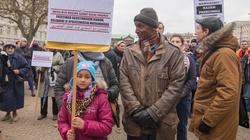 """""""Żaden człowiek nie jest nielegalny"""" - muzułmanie wyszli na polskie ulice - miniaturka"""