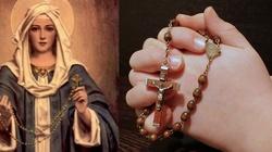 15 obietnic Matki Bożej dla odmawiających różaniec  - miniaturka