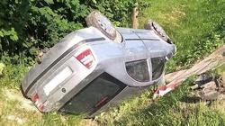 Lubelskie: pijana matka dachowała, wioząc w samochodzie dwójkę dzieci - miniaturka