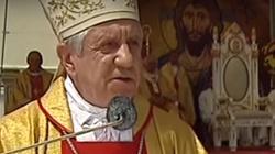 Abp Andrzej Dzięga: Klękajcie do Komunii świętej - miniaturka