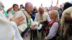 Abp Jędraszewski broni Polski i ostro krytykuje PE w sprawie aborcji: ,,Piętnuje Polaków jako homofobów'' - miniaturka