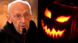 O. Leon Knabit o Halloween: UWAGA szatan krąży jako lew ryczący, szukając, kogo by pożarł - miniaturka