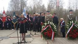 Anders w Katyniu: Spoczywają tu żołnierze, na których czekał mój ojciec - miniaturka
