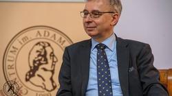 Andrzej Sadowski dla Fronda.pl wyjaśnia, dlaczego w Polsce brakuje rąk do pracy mimo wysokiego bezrobocia - miniaturka