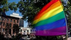 Anglia: ewangelicy nie chcą pośredniczyć w adopcji dla gejów - miniaturka