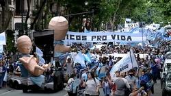 Argentyna. Tysiące protestujących przeciwko aborcji na życzenie - miniaturka
