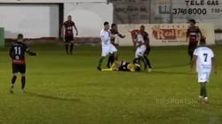 [Wideo] Brazylia. Brutalne pobicie arbitra. Zawodnik odpowie za usiłowanie zabójstwa - miniaturka