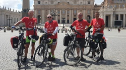 Z Pelplina do Rzymu. 2300 km w intencji powołanych  - miniaturka