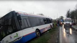 Wypadek na Pomorzu, autobus zderzył się z TIR-em WIDEO - miniaturka