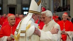 Katolicy w Ameryce bardziej cenili Benedykta, niż Franciszka - miniaturka