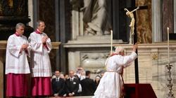 Drzewo Życia... Benedykt XVI o Krzyżu Męki Pańskiej - miniaturka