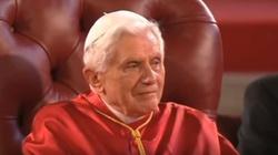 Benedykt XVI: Chrzest darem prawdziwej wolności - miniaturka