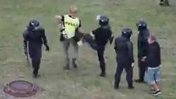 Białoruś. Pobici polscy studenci, zatrzymani i pobicie dziennikarze BBC - miniaturka