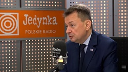 Mariusz Błaszczak: Rosja pręży muskuły na defiladzie, a prezydent RP spotyka się z głową najsilniejszego militarnie państwa - miniaturka
