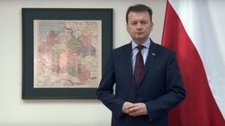 Minister Błaszczak odważnie: Już mielibyśmy tysiące imigrantów, gdyby nie zmiana rządu w Polsce! - miniaturka
