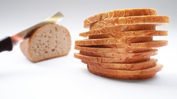 Nie schudniesz, jedząc biały chleb. Oto, czym go zastąpić - miniaturka