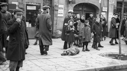 'Washington Post' w obronie Polski! 'Tysiące Polaków ryzykowało życiem, ratując Żydów' - miniaturka