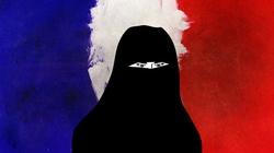 Zakaz burkini - początek końca liberalnej Francji? - miniaturka