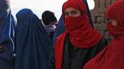 Przekleństwo hidżabu. Co islam robi z dziewczynkami - miniaturka