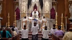 Jak przeżywać liturgię, by być bliżej Boga? - miniaturka