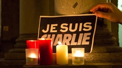 Śledztwo ws. zamachów na redakcję Charlie Hebdo. 3 osoby zatrzymane - miniaturka
