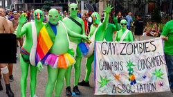 Chrześcijanie przebrali się za gej-zombie, by dostać się na homoparadę i głosić Ewangelię - miniaturka