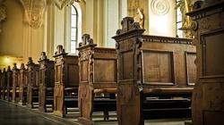 Badanie CBOS. Opinia Kościoła w Polsce coraz gorsza - miniaturka