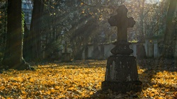 Zbezczeszczono grób kapłana związanego z antykomunistyczną opozycją - miniaturka