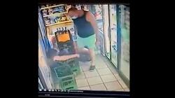 Policja zatrzymała damskiego boksera. Uderzył ekspedientkę tak, że straciła przytomność bo... kazała mu założyć maseczkę - miniaturka