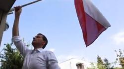 Premier daje przykład! 'Polskę mamy nie tylko w sercu' - miniaturka