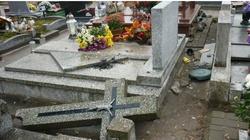 Niewiarygodna dewastacja na cmentarzu w Ełku. Wyznaczono nagrodę. Sataniści? - miniaturka