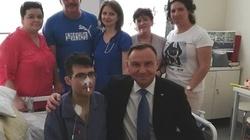 Niezwykłe spotkanie! Prezydent odwiedził chorego księdza na oddziale onkologicznym - miniaturka