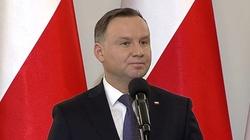Andrzej Duda mocno: Nie będą nam w obcych językach narzucali, jaki mamy mieć ustrój! - miniaturka