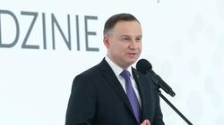 Andrzej Duda wygrałby z każdym. Tusk bez szans - miniaturka