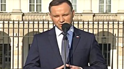 Prezydent: Żołnierze mają dowodzić armią, nie uprawiać politykę - miniaturka