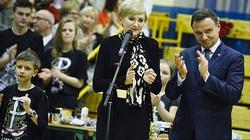 Para prezydencka pomaga Polakom na Kresach - miniaturka