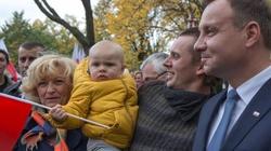 Prezydent Duda do Polaków we Francji: Chciałbym, byście wrócili do Polski - miniaturka
