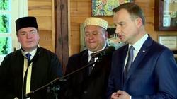 Andrzej Duda odwiedził meczet - miniaturka