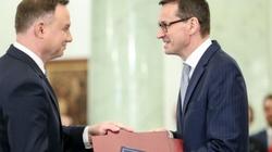 Prezydent, premier i...? ZOBACZ, komu Polacy ufają najbardziej - miniaturka
