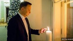 Światło Wolności w oknie Pałacu Prezydenckiego. ZOBACZ ZDJĘCIA! - miniaturka