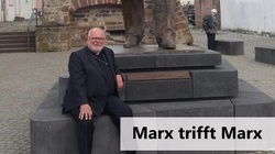 Szokujące. Kard. Marx chwali się zdjęciem na tle pomnika Marksa, którego nazywa ,,wielkim myślicielem''  - miniaturka