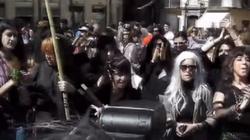 Diabelska cywilizacja śmierci! Przerażający, okultystyczny rytuał na wiecu feministek - miniaturka