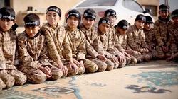 Dżihadyści uczą dzieci, jak podrzynać gardło - miniaturka