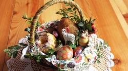 Błogosławieństwo stołu przed uroczystym posiłkiem w Niedzielę Zmartwychwstania Pańskiego - miniaturka