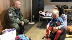 MON pomógł 6-letniemu Filipkowi. Chłopiec już w USA, wkrótce operacja - miniaturka