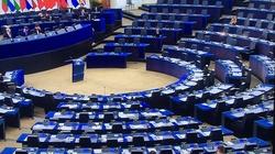 A miało być tak pięknie... Garstka europosłów na debacie o edukacji seksualnej w Polsce - miniaturka