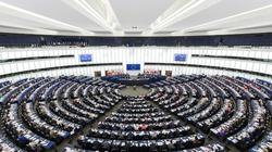 PE przyjął antypolską rezolucję. Poparli ją wszyscy eurodeputowani PO i Lewicy - miniaturka