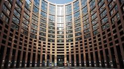 Michel nadal chce wiązać fundusze UE z praworządnością. Proponuje też cięcia - miniaturka