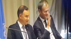 Duda i Tusk śmiali się z żartu o... Komorowskim! - miniaturka